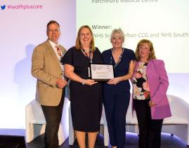 Dr Anna Ferguson and Jenny Owen receive the award